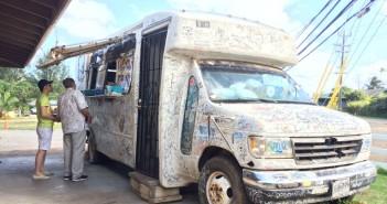 Giovanni's Shrimp Truck in Kahuku – Knoblauch mit Shrimps